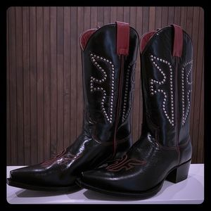 NWOT Vintage Frye Daisy Duke Boots Black and Red